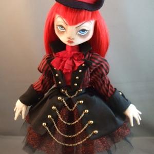 Madame de Grassi, the Ringleader
